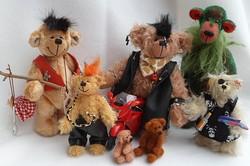 Teddybären und Teddybekleidung