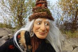 Marionettenbauerin Standnummer: 81